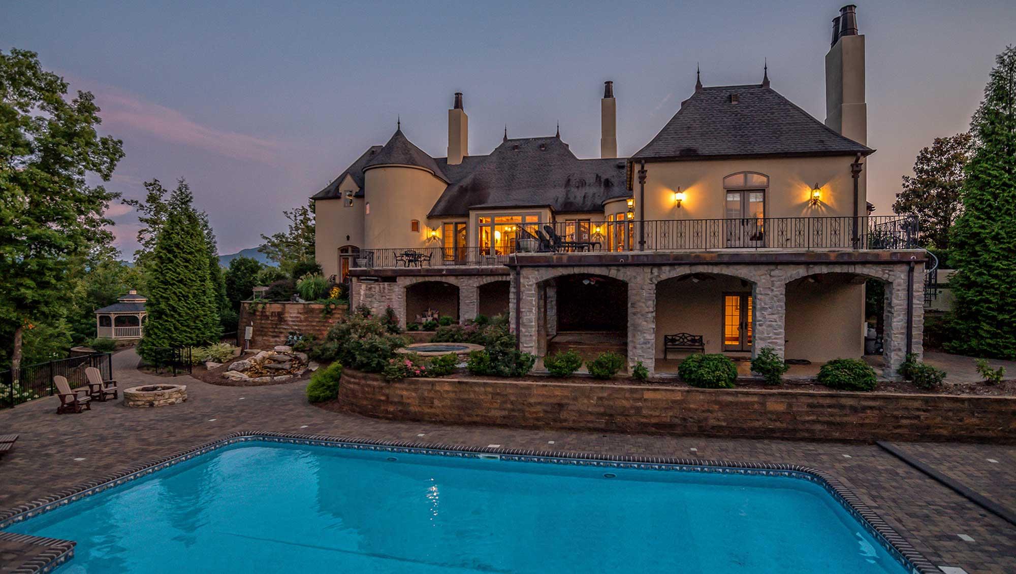 luxury homes in greenville